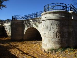 Pintadas en el puente de hierro 3