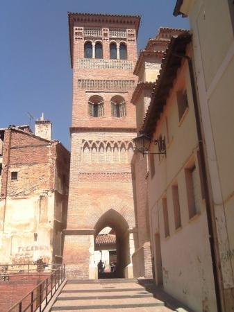 Antiguo mausoleo de Los Amantes