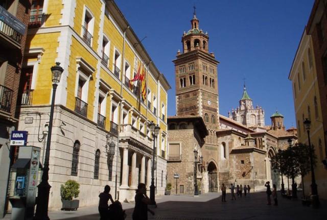 ayuntamiento_y_catedral_de_teruel-e1525686272768
